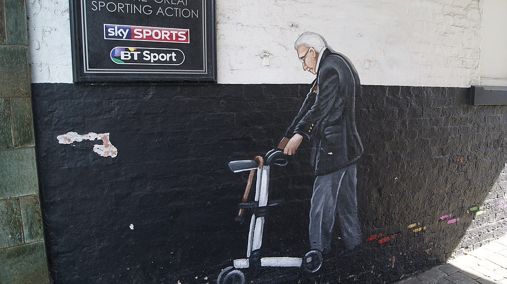 Mural of Captain Tom in Yorkshire, England