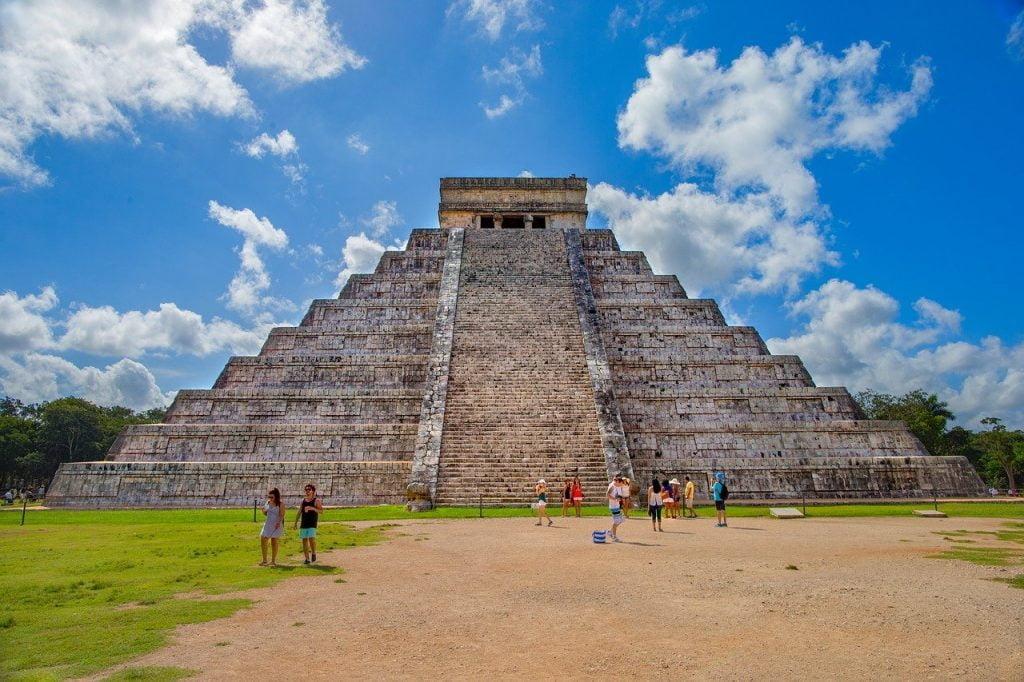 Visitors at the pyramid of Kukulcan;